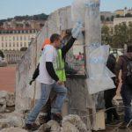 هافينغتون بوست: القصف بالبراميل على السوريين في قلب فرنسا