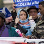 160 ألف متظاهر في برشلونة يطالبون الحكومة باستقبال لاجئين..
